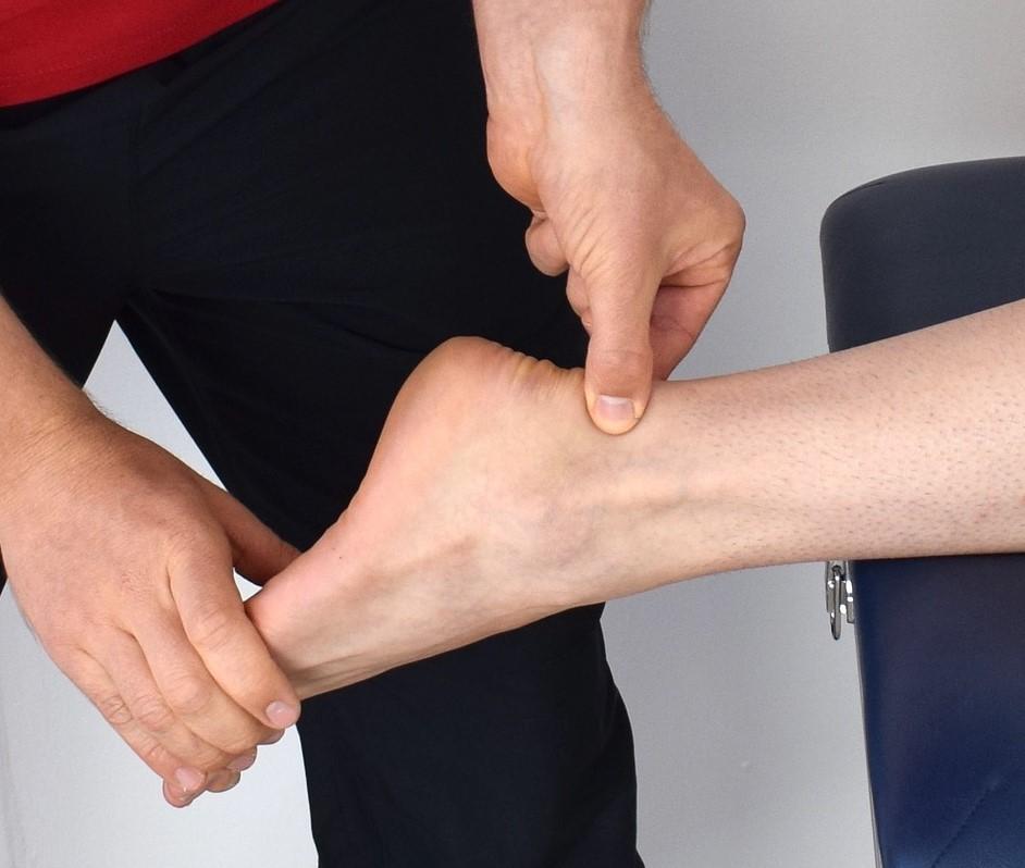 アキレス腱 炎 原因